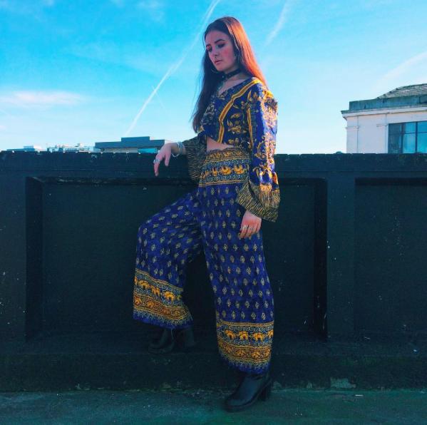 Vintage clothes, vintage mentality: cultural appropriation