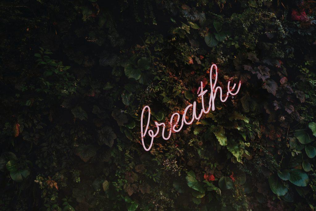 fluorescent light breathe